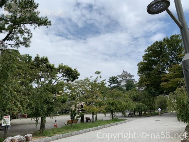 大垣公園(岐阜県大垣市)からのぞむ大垣城