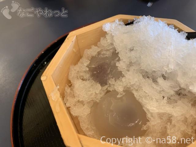 岐阜県大垣市大垣城そばの「餅惣」の「水まん氷」630円