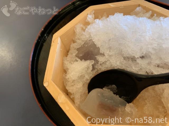 岐阜県大垣市の「餅惣」で「水まん氷」水まんじゅうがツルツル