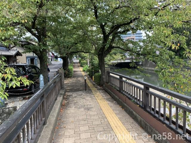 城下町大垣観光・四季の路の散策、水門川沿いの景色