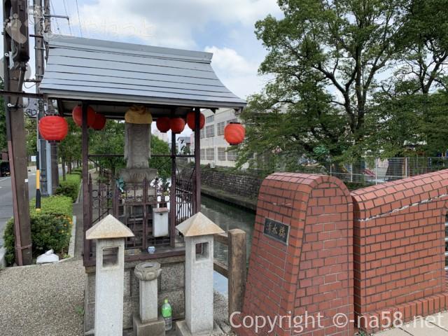 城下町大垣観光・四季の路の散策、清水橋とお地蔵さん