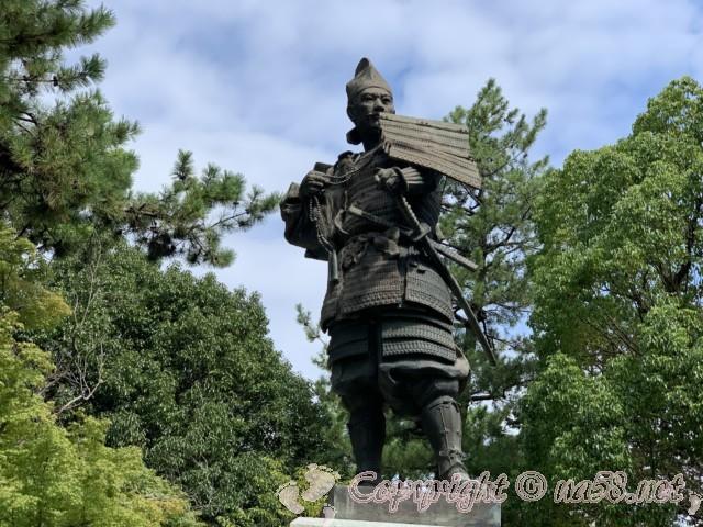 清洲公園の織田信長公の銅像(愛知県清須市)