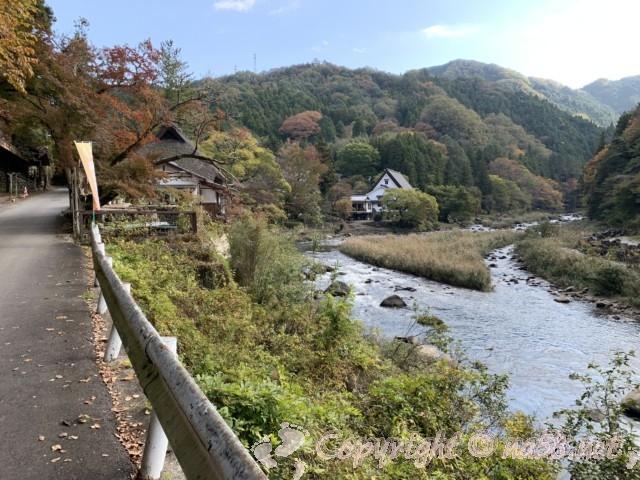 2019年11月13日、香嵐橋から一の谷方向の風景(愛知県豊田市香嵐渓)