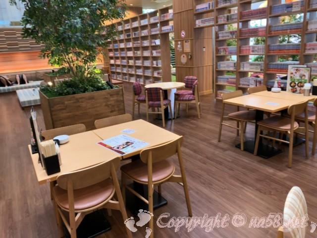 らくスパガーデン名古屋(名古屋市名東区)本コミック40,000冊と休憩所