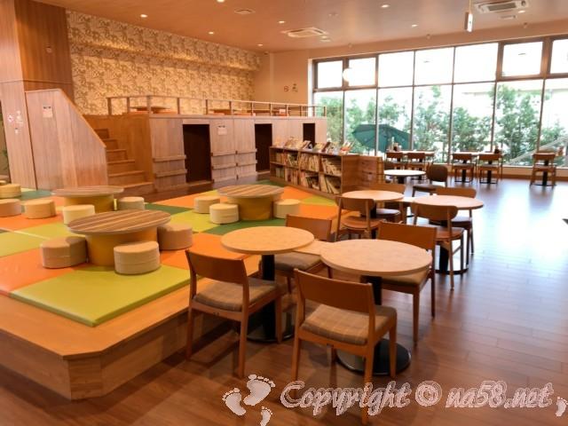 らくスパガーデン名古屋(名古屋市名東区)広い休憩所スペース