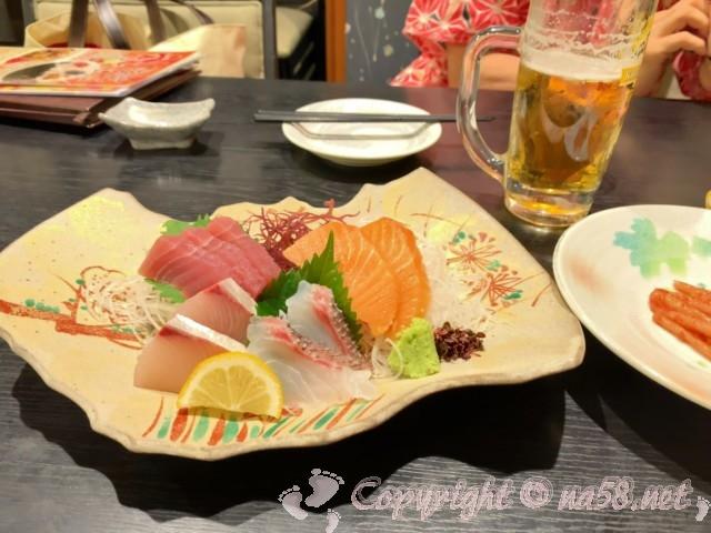 「みどり館」愛知県半田市、レストラン「美波」にてお刺身盛り合わせ
