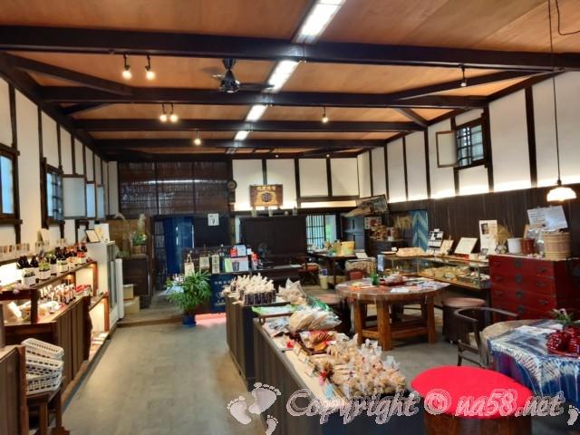 「宝山味噌本家、中定商店」(愛知県半田市)店内の様子