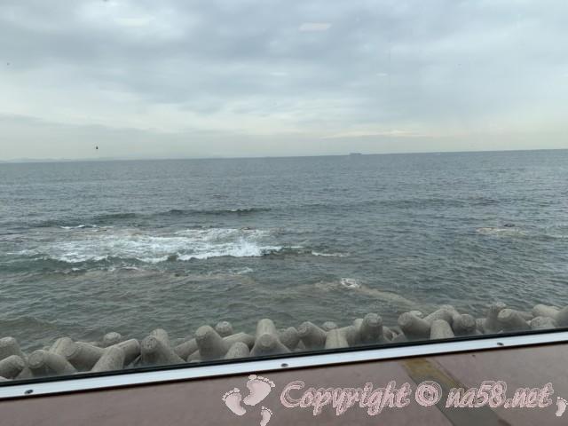まるは食堂本店(愛知県南知多町)一階窓際の席からの景観