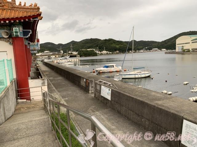 道の駅・白龍城(ペーロンジョウ)兵庫県相生市、裏は相模湾