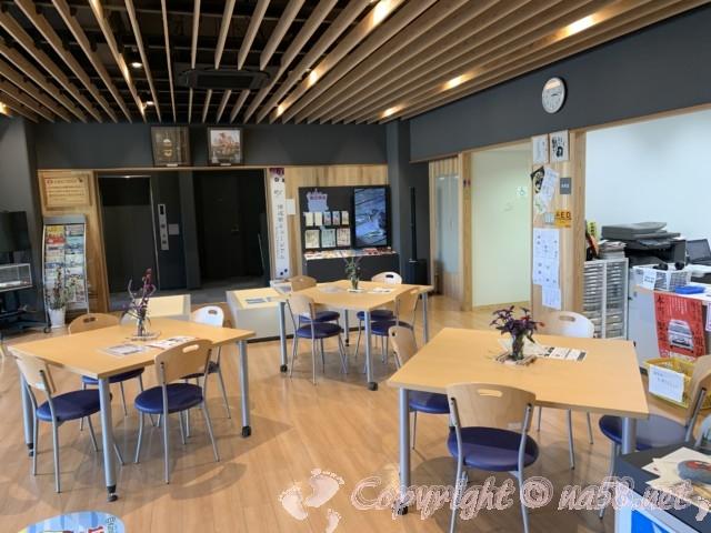 愛知県蟹江町の蟹江観光交流センター祭人の一階、カフェ