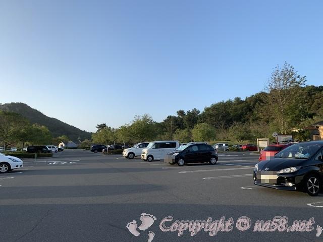 道の駅みやま公園(岡山県玉野市)の早朝の駐車場