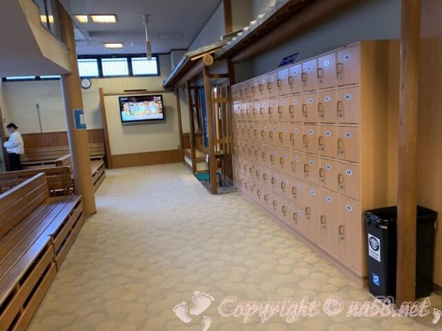 うめの湯 愛知県南知多町 靴箱と廊下