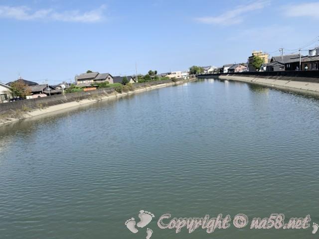 蟹江川からの風景