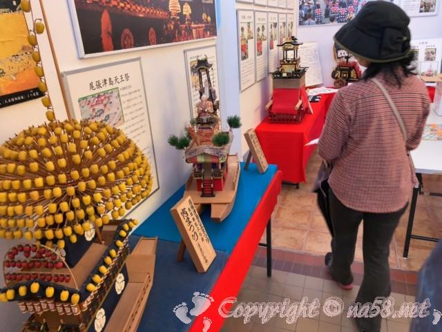 尾張津島天王祭の宵まつりなど模型