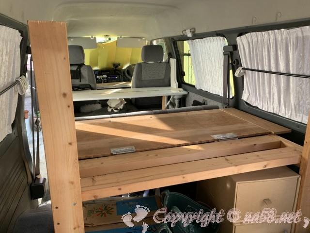2列目シートを生かした伸縮する自作ベッドの土台写真