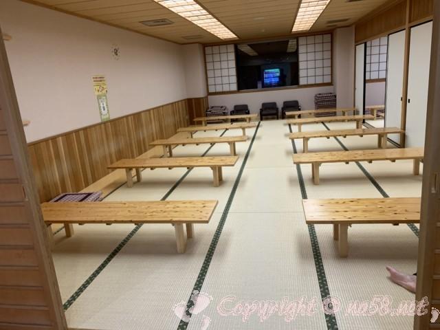 稲武温泉「どんぐりの湯」(愛知県豊田市)二階のたたみの休憩室