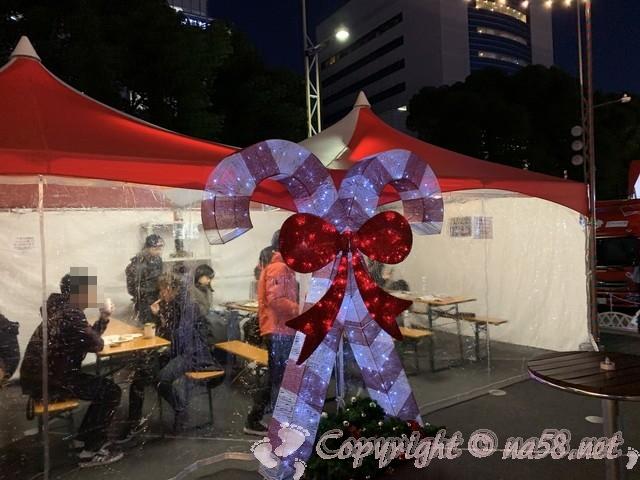 x名古屋クリスマスマーケット(中区久屋大通り公園)2019年、暖かいテントの飲食スペース