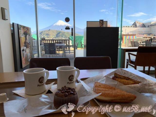 富士川SAの元町珈琲(静岡県富士市)富士山を見ながら朝食