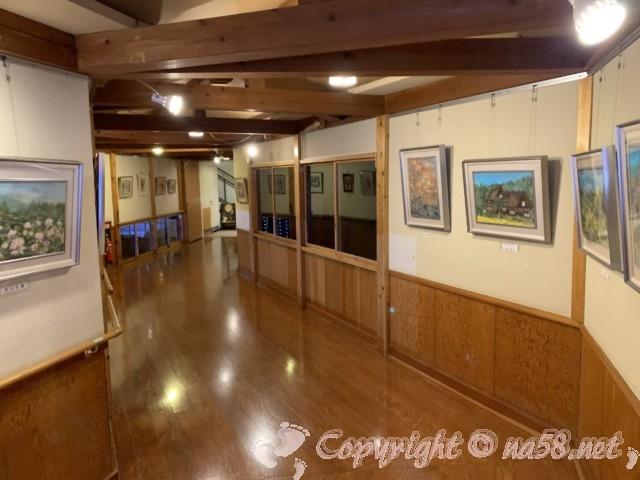 川根温泉、ふれあいの泉、(静岡県島田市)施設内の廊下にある絵画