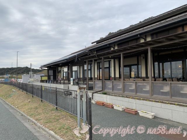 「道の駅潮見坂」(静岡県湖西市)のオープンカフェからも絶景が