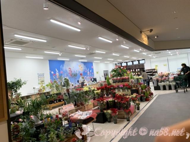「道の駅とよはし」愛知県豊橋市、土産・物産「トマッテ」にあるお花屋さん