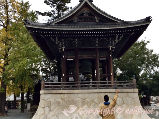 豊川稲荷(愛知県豊川市)鐘楼堂