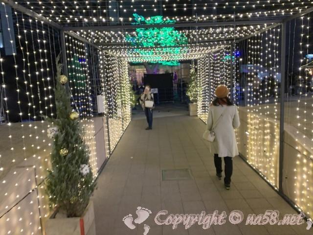 名古屋笹島「グローバルゲート」クリスマスイルミネーション2019電飾のトンネル