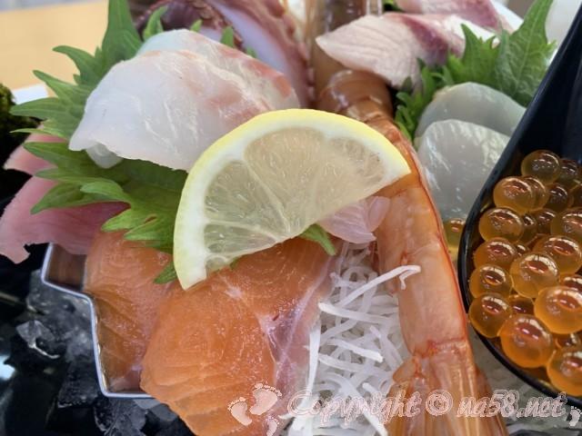 「湯の華食堂」(岐阜県可児市)の魚太郎亭で魚太郎定食のアップ