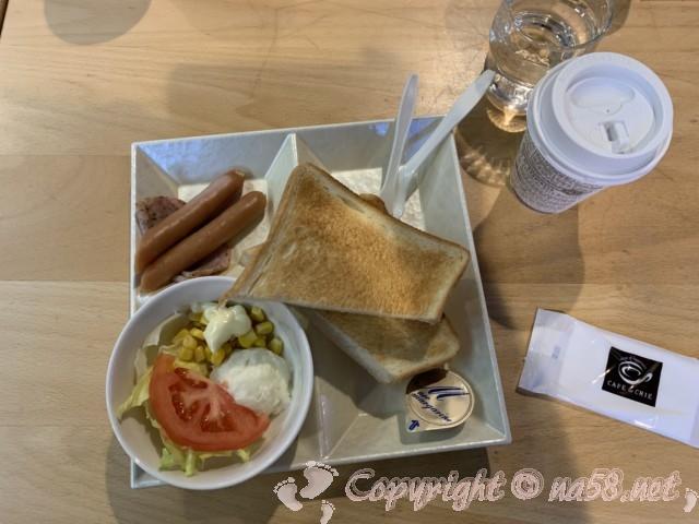 刈谷ハイウェイオアシス(愛知県刈谷市)のセントラルプラザのカフェドクリエのモーニングセット