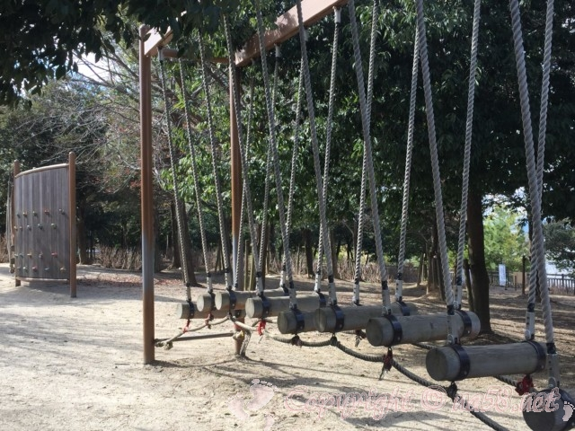 岩ケ池公園(刈谷ハイウェイオアシスの公園)児童用の無料の遊具