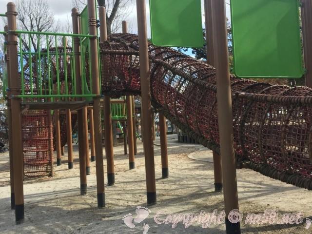 岩ケ池公園(刈谷ハイウェイオアシスの公園)固定式自動向き遊具