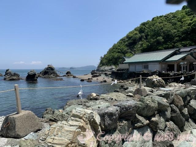 「二見興玉神社」拝殿(三重県伊勢市)と夫婦岩