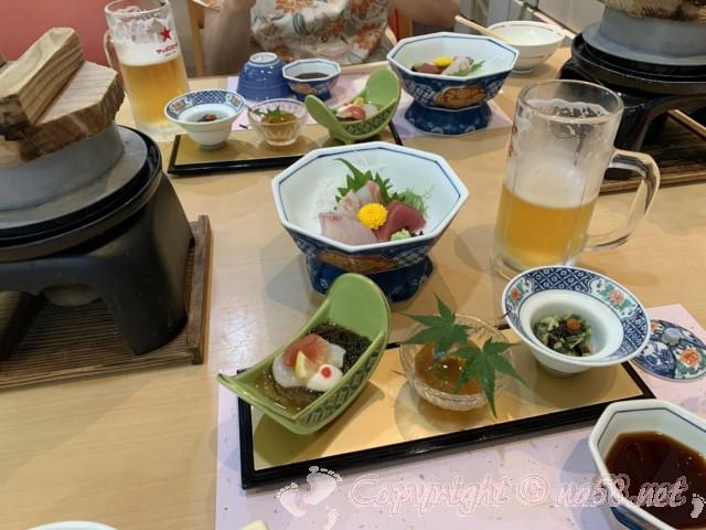 「ニューハートピア温泉ホテル長島」の夕食のはじまりの料理