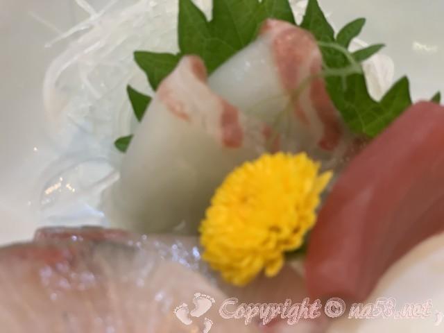 「ニューハートピア温泉ホテル長島」揖斐会席の夕食、お刺身三種盛り