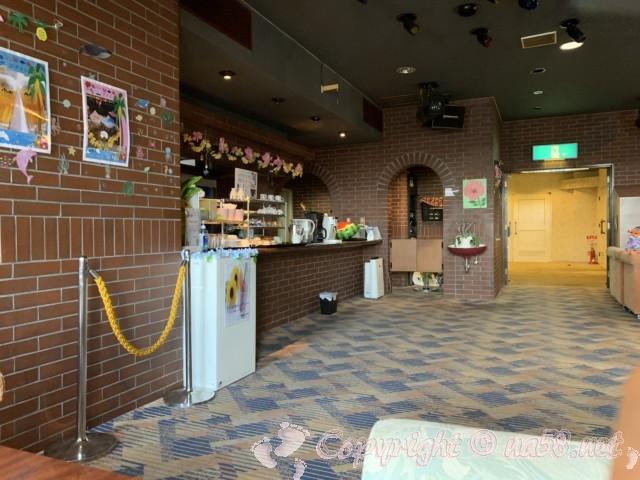 渚のリゾート「竜宮ホテル」(愛知県西尾市吉良町)二階バーラウンジ
