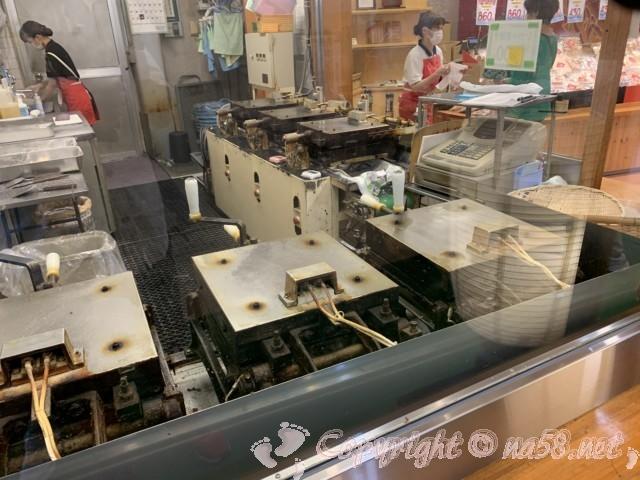 「一色さかな広場」(愛知県西尾市一色町)のイカタコの姿焼きのお店