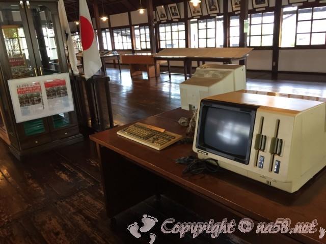 高山市政記念館(岐阜県高山市)の内部 資料や機器の数々