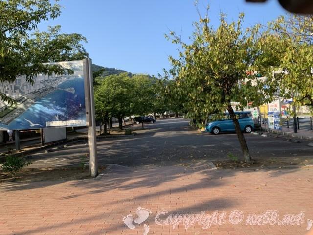 熱海駐車場 「タイムズ熱海市営第一親水公園駐車場」の様子