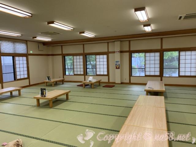 「いずみの湯」山梨県富士河口湖町 たたみの休憩室