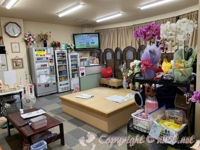 長喜温泉(名古屋市北区)の待合スペース