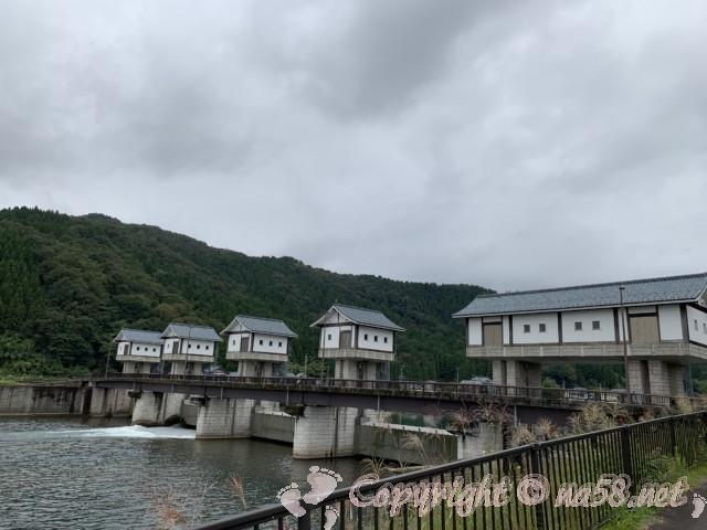 「道の駅 一乗谷あさくら水の駅」(福井県福井市)足羽川の堰堤
