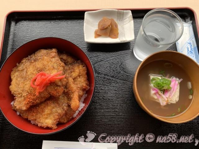 「道の駅 一乗谷あさくら水の駅」(福井県福井市)食事おすすめナンバースリーのソースカツ丼