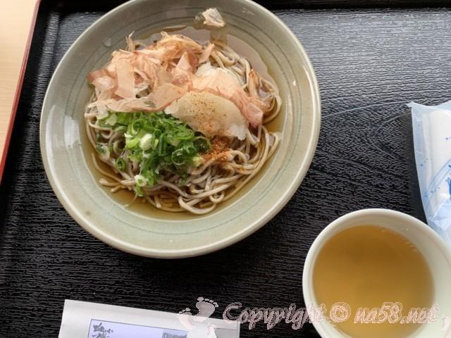 「道の駅 一乗谷あさくら水の駅」(福井県福井市)食事おすすめナンバーワンの越前おろしそば