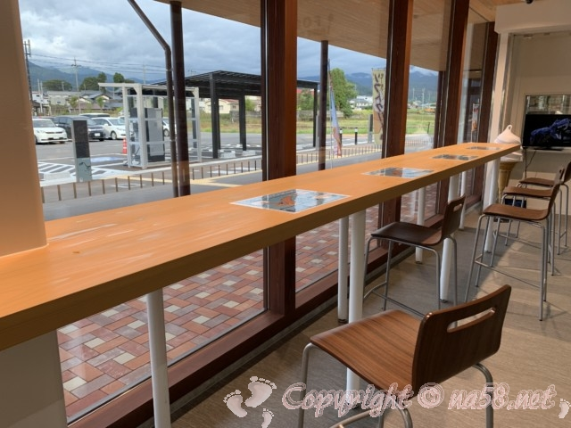 「道の駅 恐竜渓谷かつやま」(福井県勝山市)カフェレストランの店内