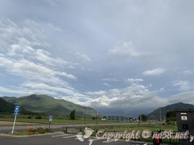 「道の駅 禅の里」(福井県永平寺町)自動二輪用駐車場と周辺の景色