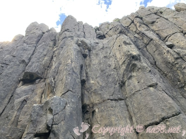 東尋坊(福井県坂井市)遊覧船 大池という最も高い巨岩から空を見る