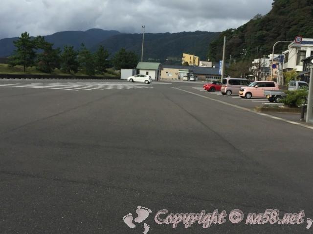 「道の駅越前」(福井県越前市)の広い方の駐車場から北側
