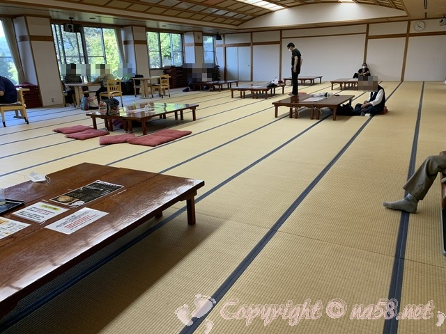 「霞の郷温泉」(福井県坂井市)の大広間 休憩室