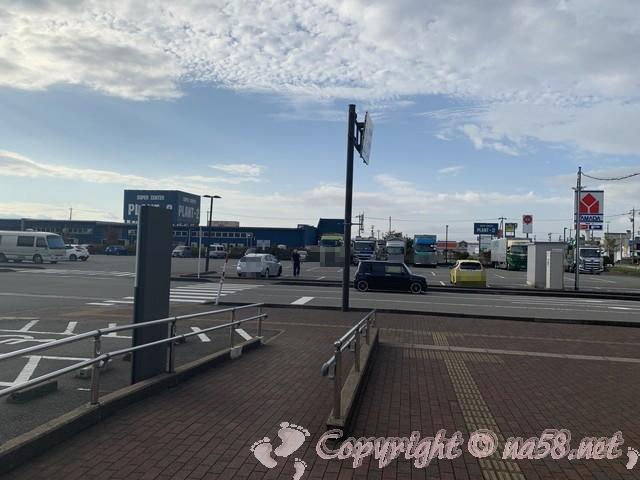 「道の駅さかい」(福井県坂井市)の駐車場広い