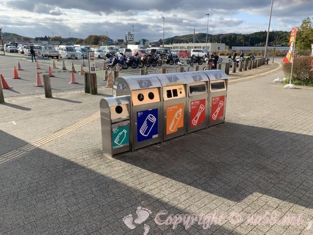 「道の駅針テラス」(奈良県奈良市)の駐車場とゴミ箱